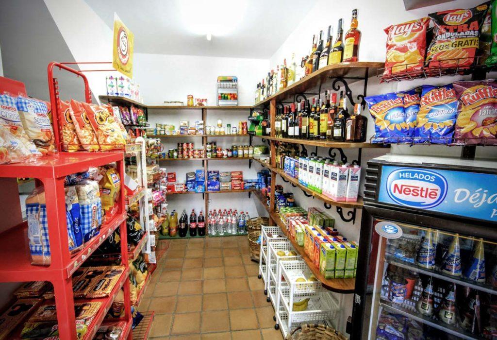 camping-la-viorna-potes-supermercado-01